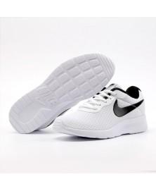 Nike TANJUN (812654-101)